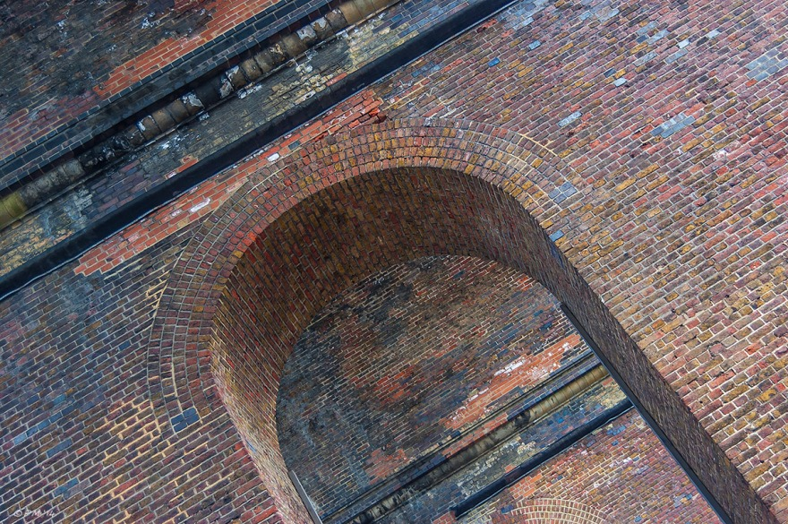 Viaduct detail victorian brick archways from below Brighton UK eyeteeth.net 2014