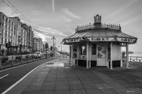 Beach Hut Kiosk on Kings Road Seafront Brighton, Monochrome Landscape. Brighton East Sussex UK. P.Maton 2014 eyeteeth.net