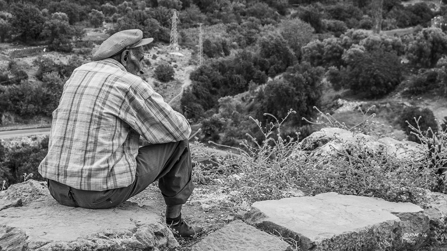 Old_Man_Resting_Acropolis_Hill_Tlos_Turkey_P_Maton_06-09-14