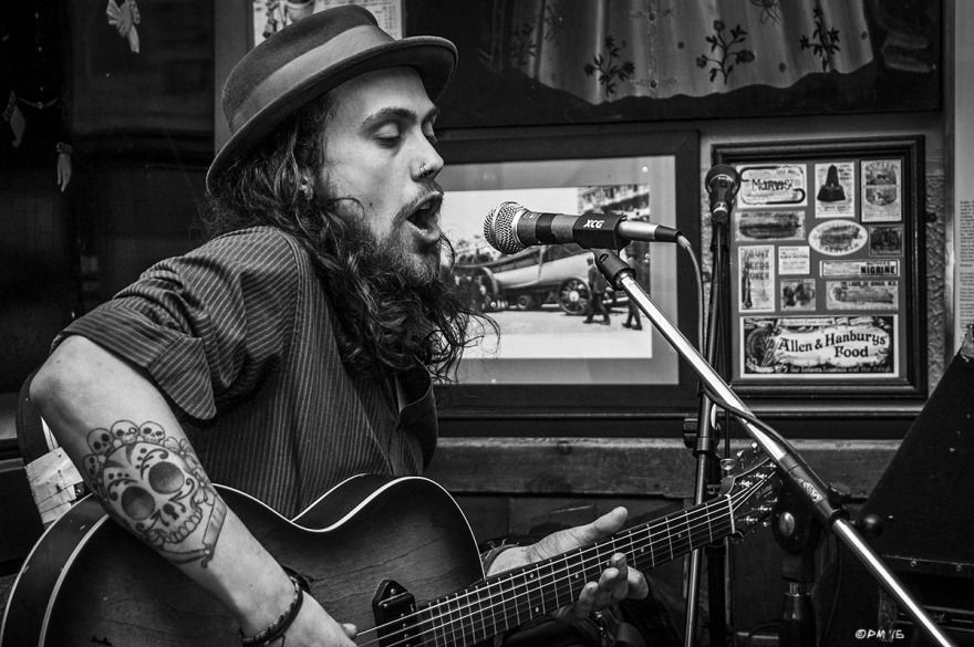Dom Knight Folk Singer at the Shakespeare's Head Pub Brighton UK. Monochrome Landscape. © P. Maton 2015 eyeteeth.net
