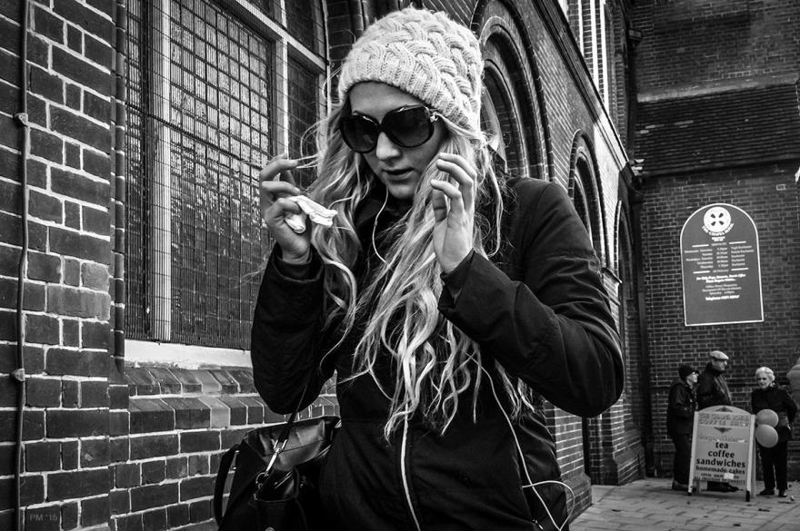 Woman_With_Handcerchief_North_Street_Brighton_UK_P_Maton_21-11-15