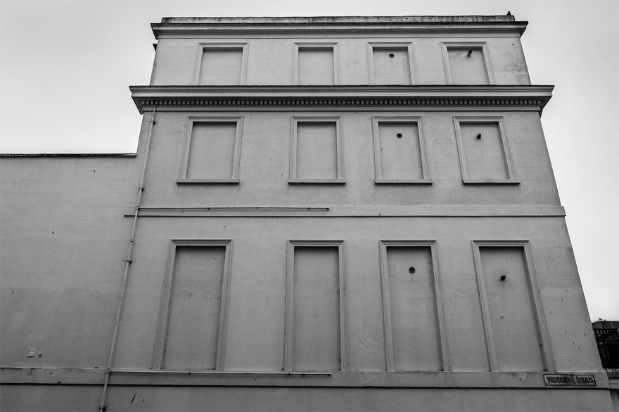 Georgian Victorian town house with blocked out windows, window tax, black and white urban landscape photography. © P. Maton 2016 eyeteeth.net
