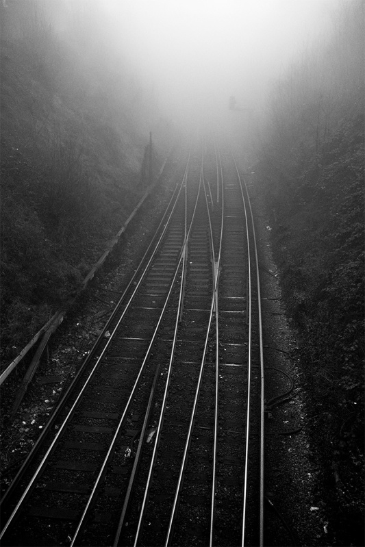 railway_lines_fog_hove_tunnel_brighton_uk_p_maton_23-01-17