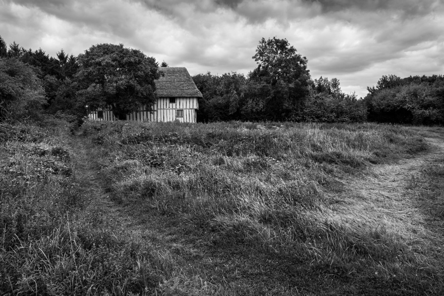 Medieval Tudor hall at Purton Green Stansfield Suffolk UK black and white rural historic British landscape © P. Maton 2017 eyeteeth.net