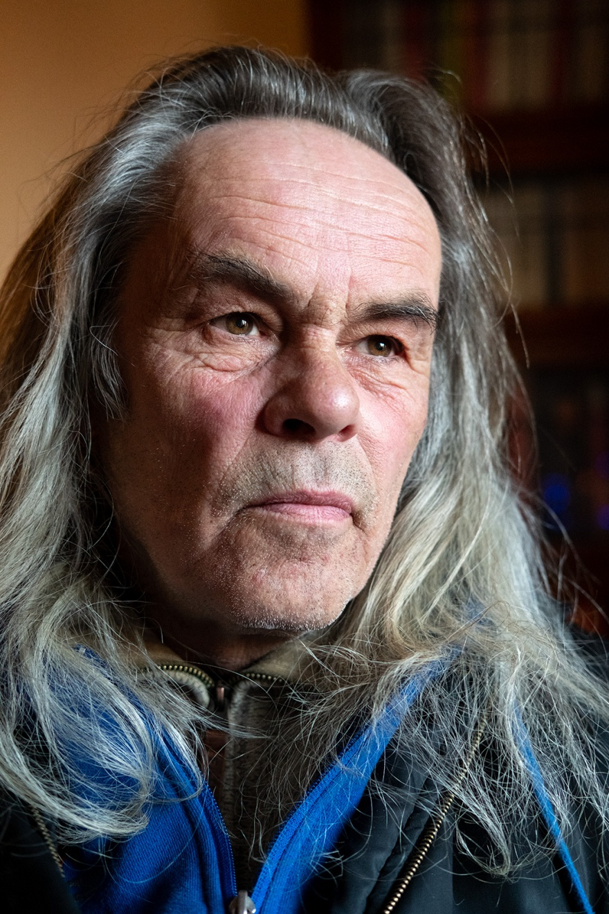 Portrait of a mature man with long hair and characterful face Oxfordshire UK ©P. Maton 2018 eyeteeth.net